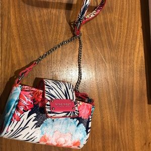 Nine West mini wallet/crossbody